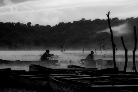 Berselimut kabut pagi