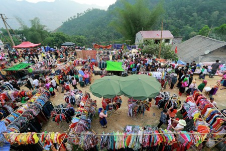 Colour of peoples of Vietnam in Khau Vai Love Market