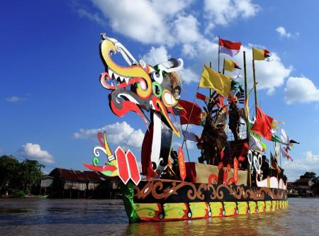 Parade Kapal Naga