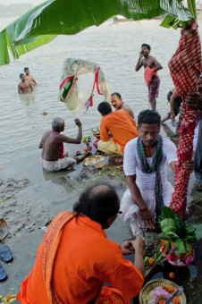 Daily Life and Rituals on Ganges