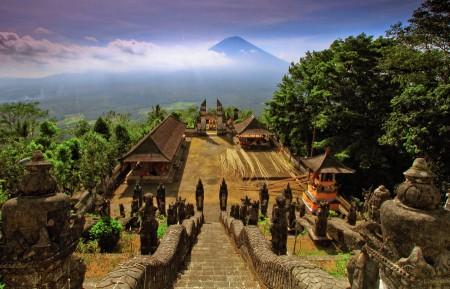 Panorama Lempuyang Temple