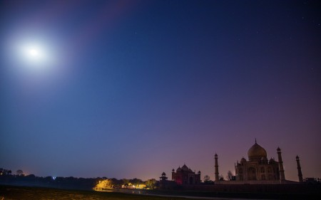 Mighty Taj At Night