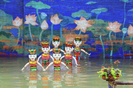 Water puppet dancers