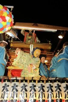 tarian di sebuah festival