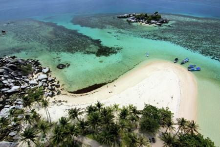 Indahnya pulau lengkuas