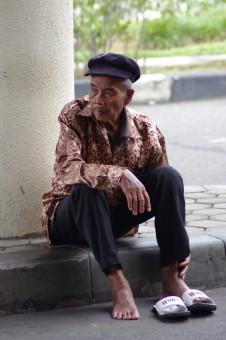 Kakek sakit kaki