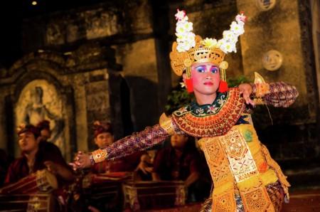 Charming Balinese Dancer